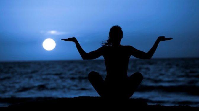 full_moon_yoga-cp-e1466205690607